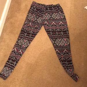 3 pairs! No boundaries Aztec print leggings